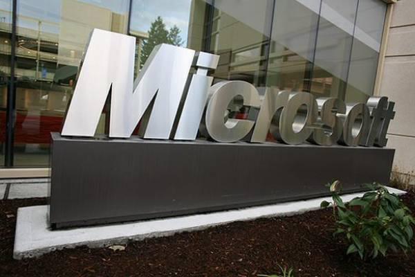 Crisi Microsoft: calano le vendite, crollano i profitti; colpa dei netbook?