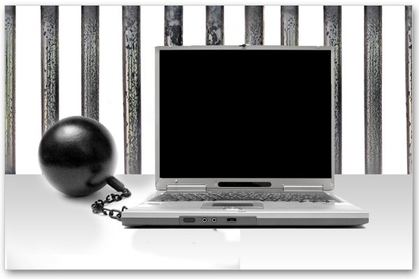 Inmate-uses-jail-computers-to-traffic-CO-information-to-other-inmates-ComputerJail.jpg