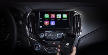 Apple CarPlay being used in the new Chevrolet Cruze