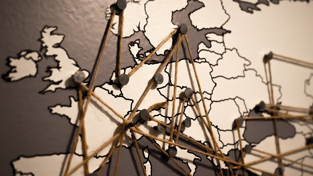 Cross Browser Tracking Custom URL Handles
