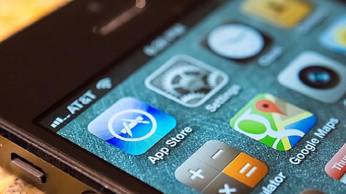 Apple Inc iPhone App Store Sideloading