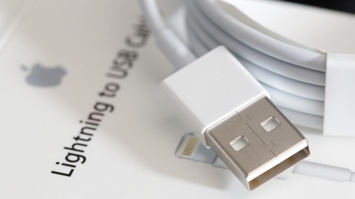 Apple OMG Lightning Cable Hack
